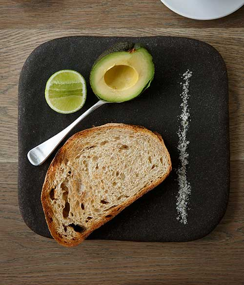 AVOCADO-WITH-CITRUS,-TOAST-AND-LOCAL-KELP-SALT,-THE-KETTLE-BLACK